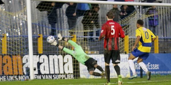 Ross Fitzsimons saves from Jernade Meade