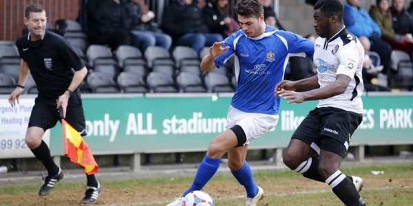 Michael Thalassitis flies down the wing
