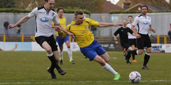Harry Anderson gets round the Dartford defense