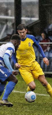 Graemen Montgomery takes on Jordy Ngathe